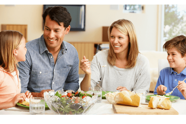 How to Create a Memory Making Family Dinner Table